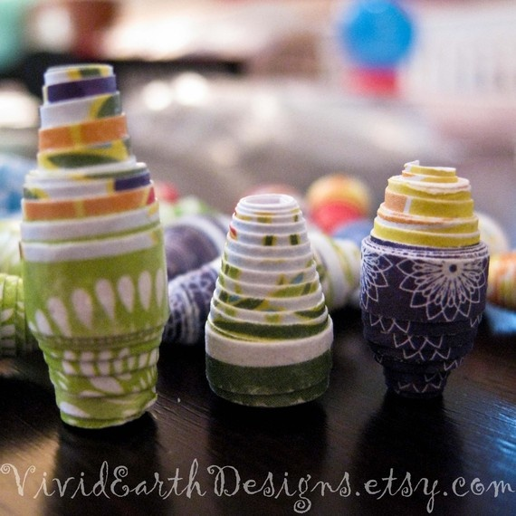 Upcycled paper beads by Vivid Earth Designs #paper #beads #upcycled #paper_bead #colorful #floral