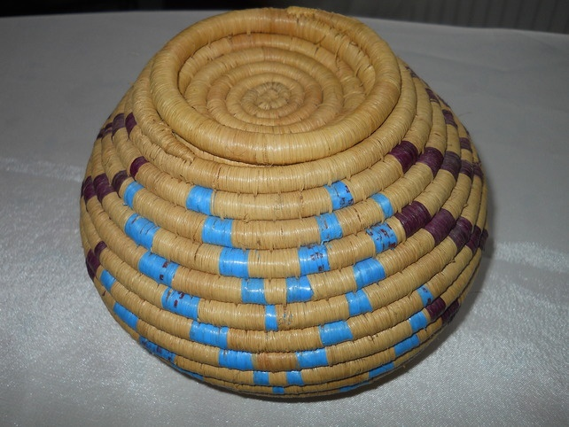 Basket Weaving With Raffia : Raffia basket weaving