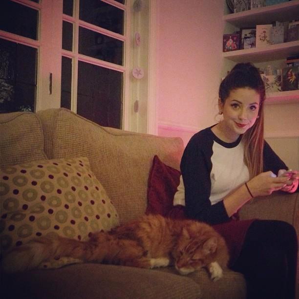 Zoella | Youtubers and Beauty Gurus | Pinterest