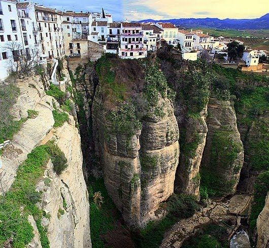 Cliffside Houses Of Ronda, Spain | Beautiful Places ...