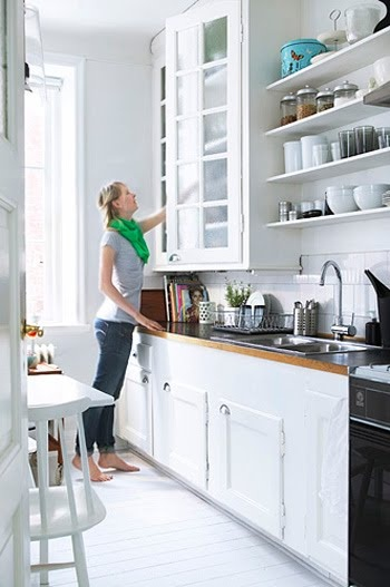 White open shelves : Small white kitchen ideas