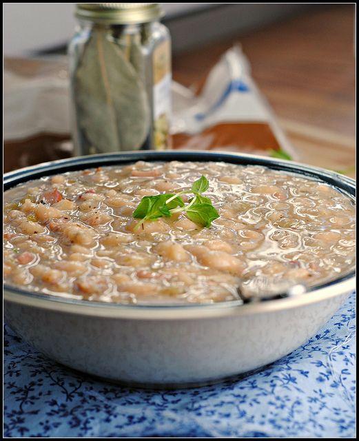 Crockpot navy bean soup