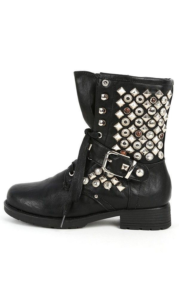 Studded Boots. Go for an edgy look with studded boots. With leather boots from the Frye collection, men and women can reflect a country western fashion sense. These boots are made with thick soles in a sturdy design that combines a blend of gritty and eclectic style.