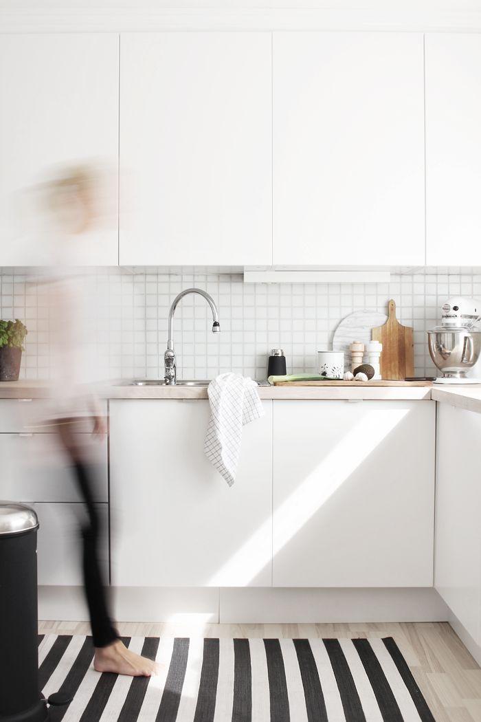 Crisp white kitchen #splendideveryday
