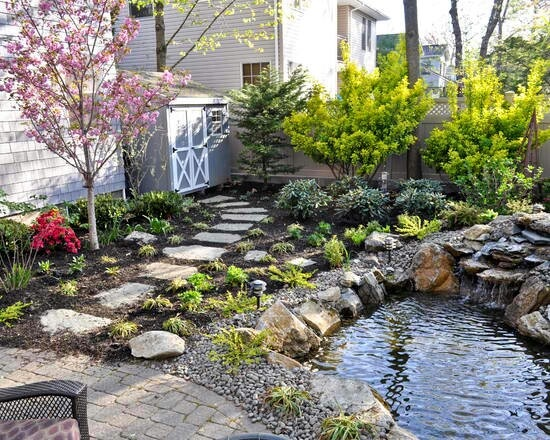 Small garden with fish pond gardening and outdoors for Fish ponds for small gardens