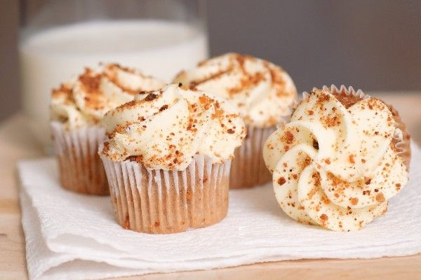 Carrot Cupcakes with White Chocolate Cream Cheese Icing #Recipe # ...