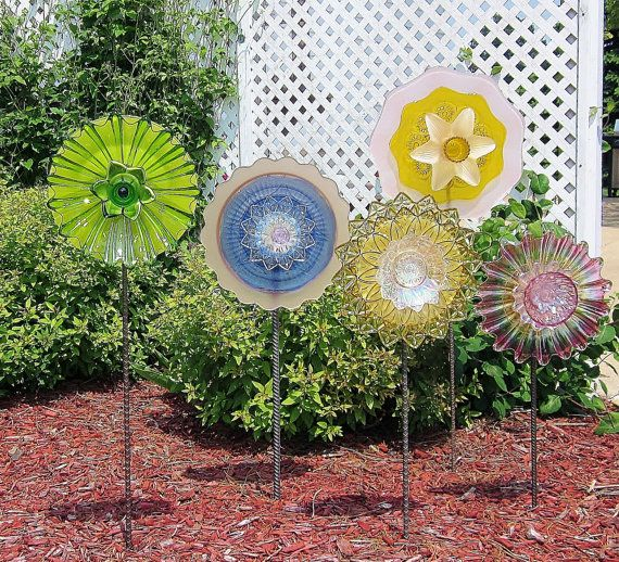 Garden art bold colorful recycled glass plate flower yard - Recycled glass garden art ...