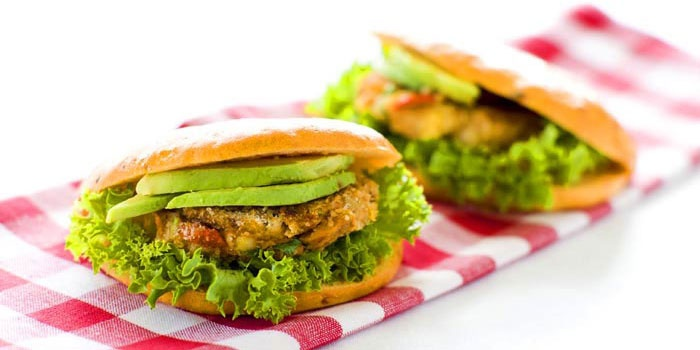 Sweet Thai Chilli Tuna Burger | Flat Meals | Pinterest