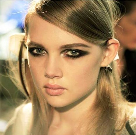 Golden Metallic inner-eye corner Shimmer with Winged Smoky eyes #makeup I Elie Saab Beauty Fall 2013 Couture