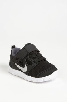 Nike 'Free Run 5.0' Sneaker (Baby, Walker & Toddler) Black/ White 6 M