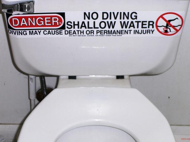 Bathroom humor death by toilet bathroom humor crappy for Bathroom jokes