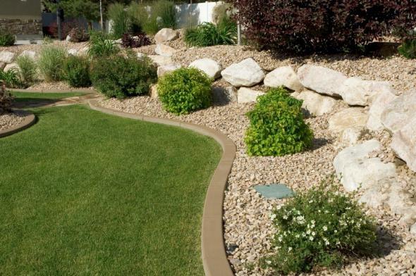 Rock garden edging patio pool landscaping ideas for Pool garden edging