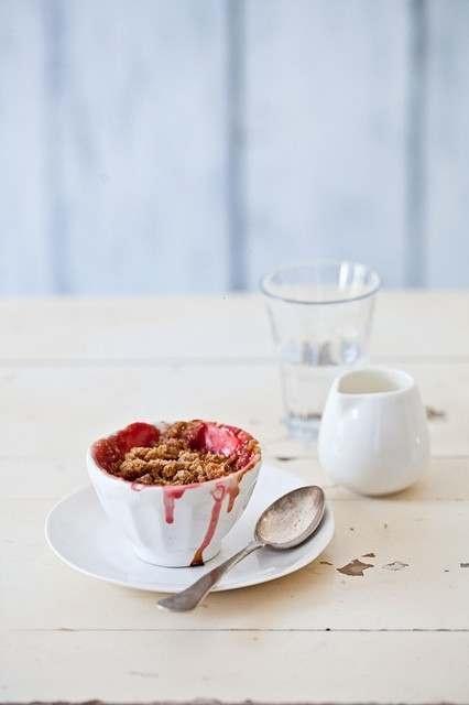 rhubarb & strawberry crisps: | Food & Drink | Pinterest