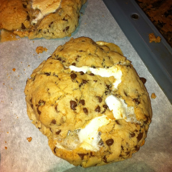 more stuffed chocolate chip cookies | S'mores | Pinterest