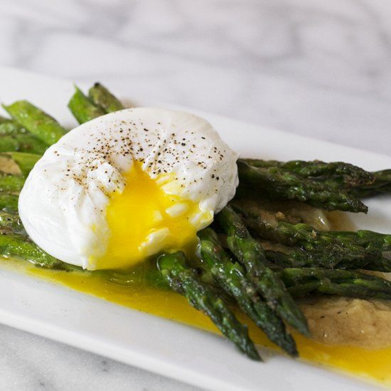Pan-Roasted Asparagus with a Poached Egg and Roasted Garlic Miso ...