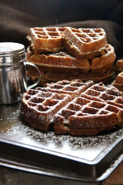 gingerbread waffles with hot chocolate sauce gingerbread waffles with ...