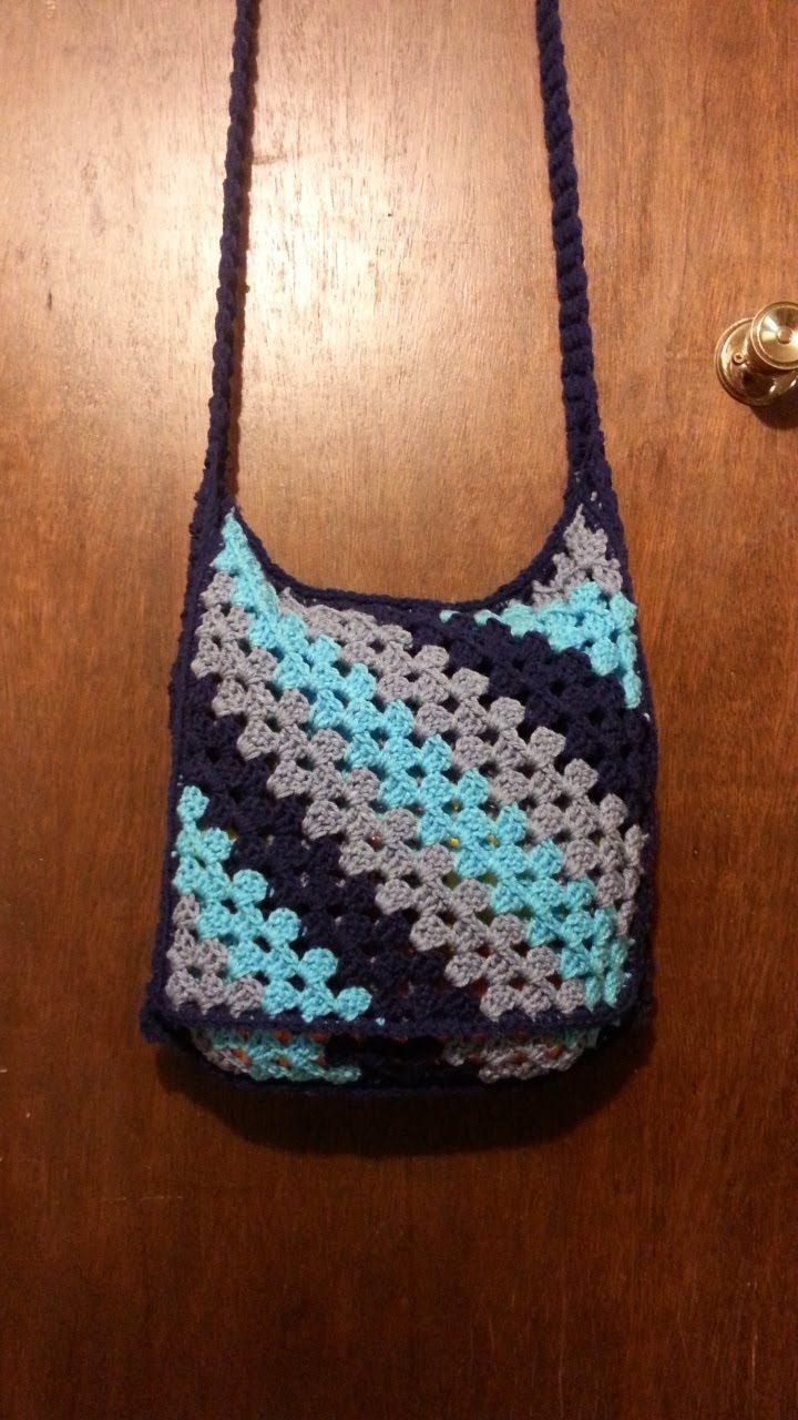 Crochet Handbag Tutorial : Crochet book bag messenger bag TUTORIAL Crochet Bags Pinterest