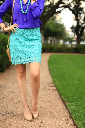 This skirt is fabulous! Love the two colours together ♥