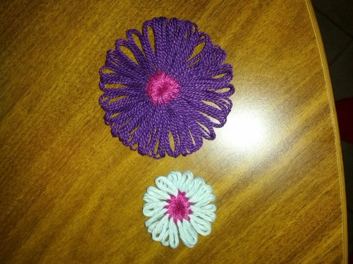 Knitting Flowers On A Loom : My loom knit flowers crafts pinterest