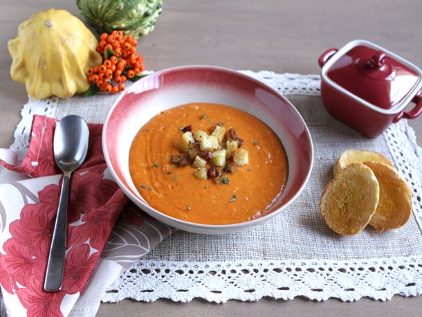 ... Easy: Creamy Roasted Red Pepper and Cauliflower Soup | Serious Eats