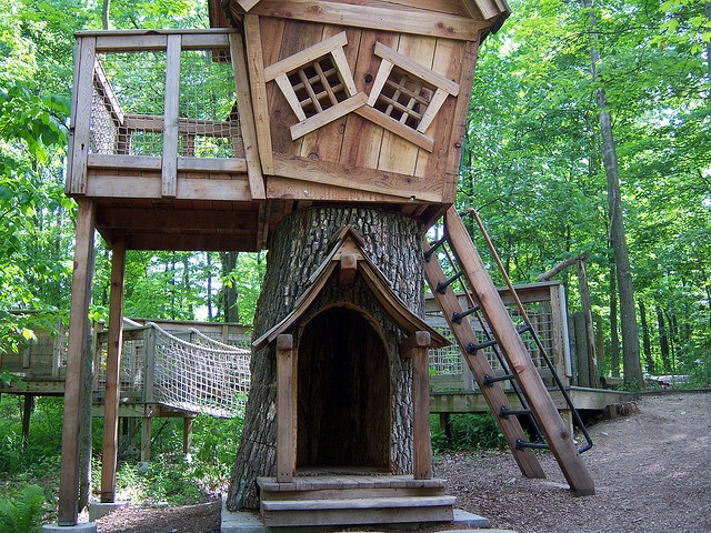 Cool Tree House By Betty B Via Flickr Home Goods