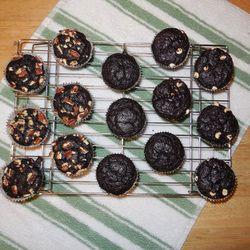 Gluten-Free Chocolate Quinoa Cupcakes | Yummy treats | Pinterest