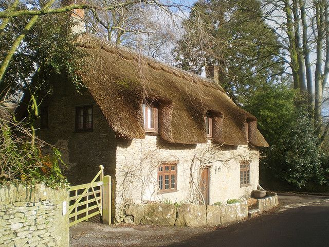 Thatched roof cottage le monde pinterest - The thatched cottage ...
