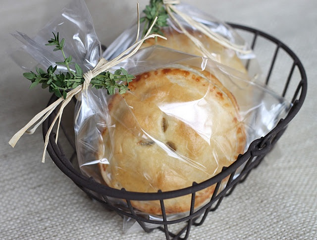 Spiced Pear and Cranberry Pocket Pies | Pies and Tarts | Pinterest