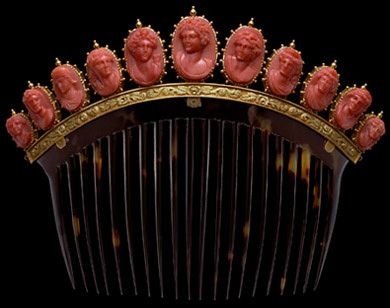 This tortoiseshell comb showcases 11 coral cameos in gold-beaded mounts, which rest on a gold base decorated with acanthus leaves, First half of the 19th Century. Each cameo represents a divinity, or Bacchante, a priestess of the Greek God Bacchus.