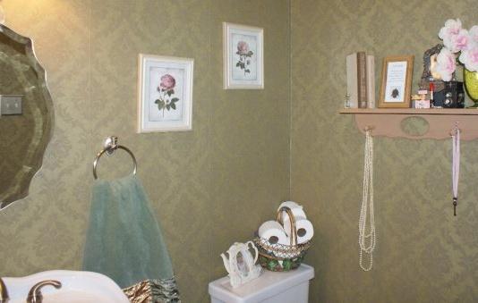 Victorian Bathroom wallpaper