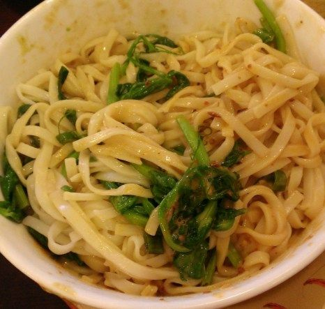 noodles yibin style cold sichuan noodles with spinach and peanut ...
