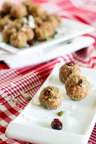 Little Energy Bombs (cranberry-date-almond-flax-pumpkin-coconut snacks ...