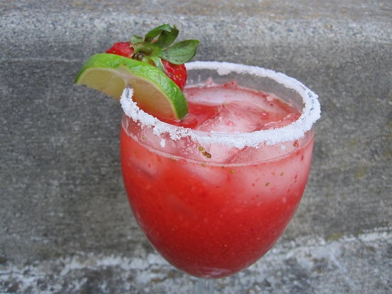 how to make a virgin strawberry margarita with mix