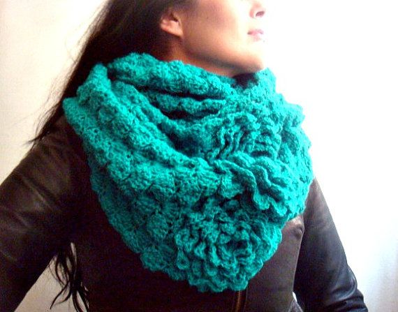 Crochet Tutorial Infinity Scarf : ... Crochet Cowl DIY Tutorial Infinity Circle Loop Scarf Snood on Etsy, $4