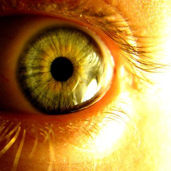 yellow eyes human - photo #12