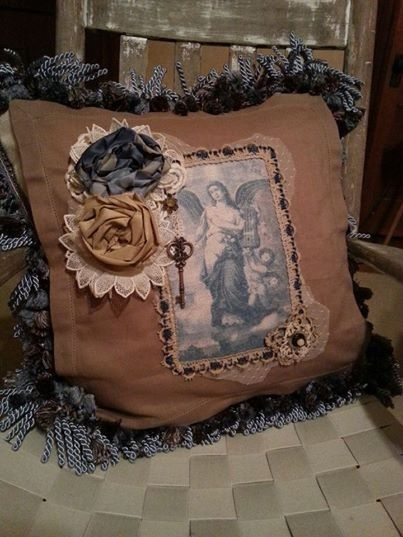 Decorative Victorian Pillows : Beautiful Victorian decorative pillow made with antique lace and butt?