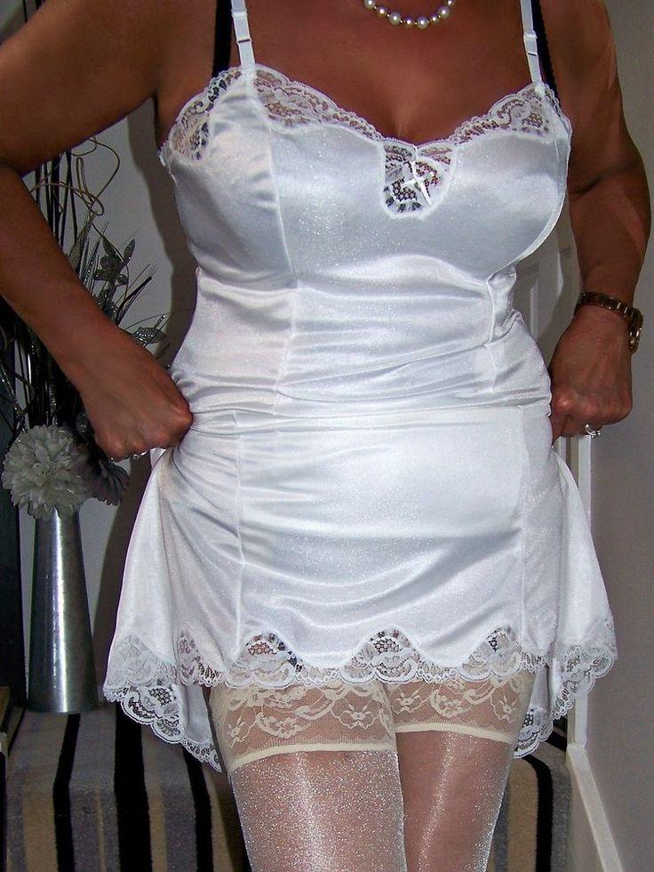 White mini wedding dress