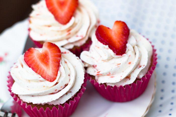 Strawberry and Cream Cupcakes Recipe   Favorite Recipes   Pinterest