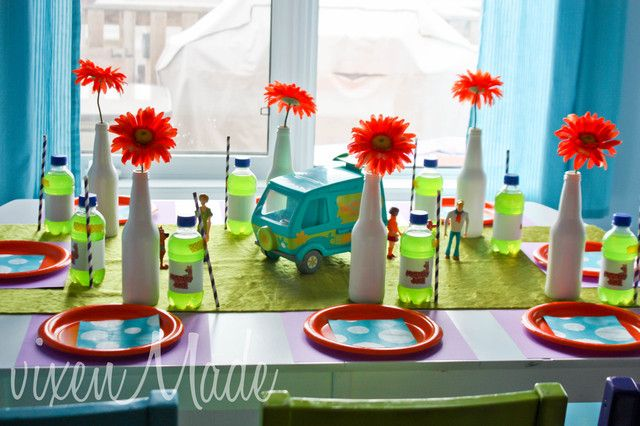 Table setting at a Scooby Doo Party #scoobydoo #party