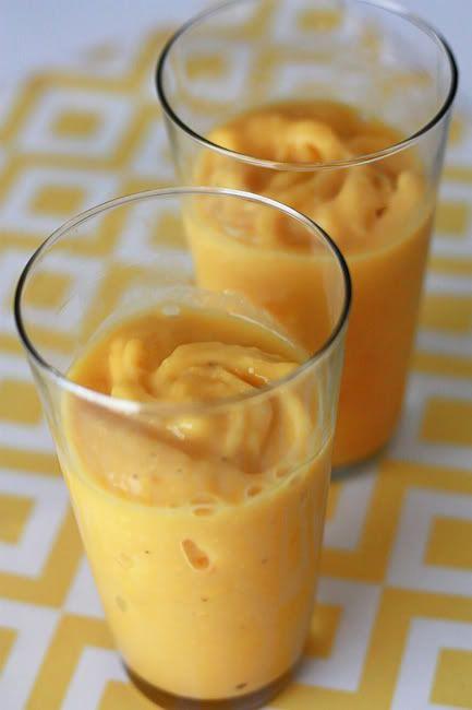 mango peach smoothie | Get in my belly | Pinterest