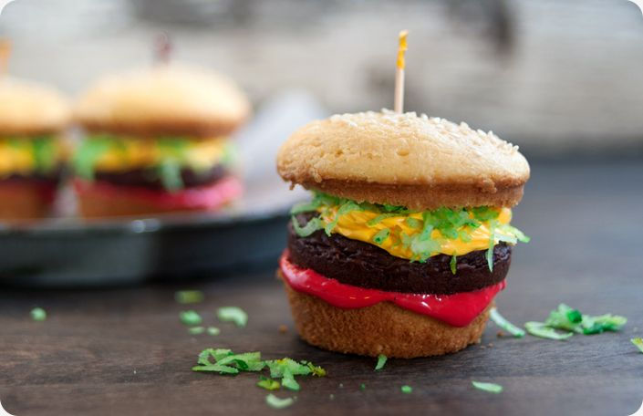 These adorable hamburger cupcakes are surprisingly easy and perfect for a labor day picnic