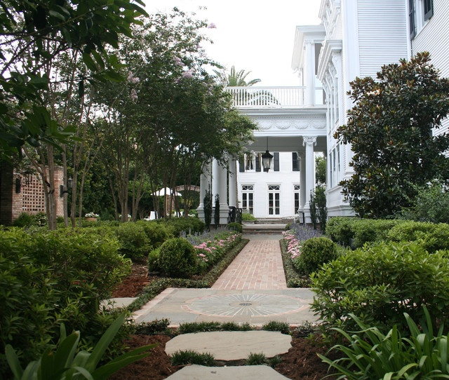 New orleans estate traditional landscape new orleans for Estate landscape design