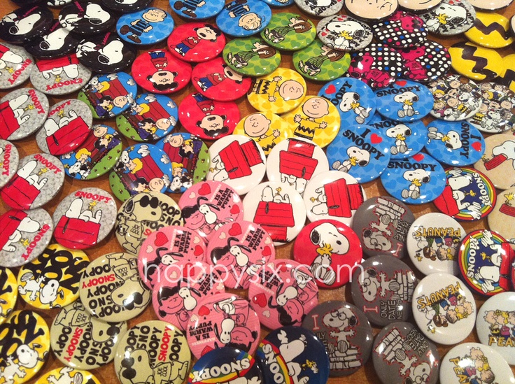 Snoopy & The Peanuts Gang buttons!