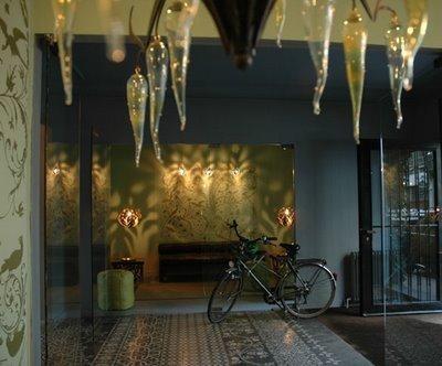 Emery et cie vitrine boutique pinterest for Carrelage emery bruxelles
