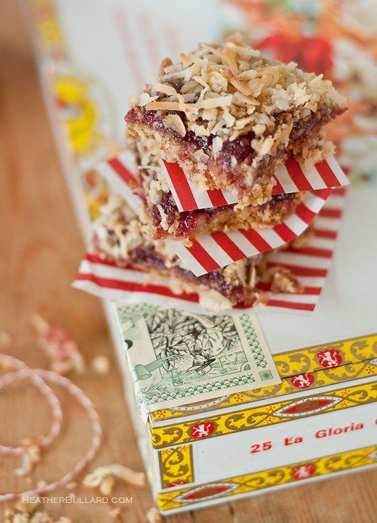 Raspberry & Almond Oatmeal Bars | DelishDish | Pinterest