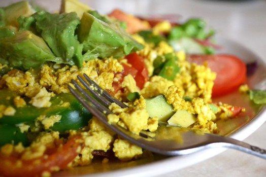 Tofu scramble with tomato, kale, pepper, turmeric, cumin, garlic ...