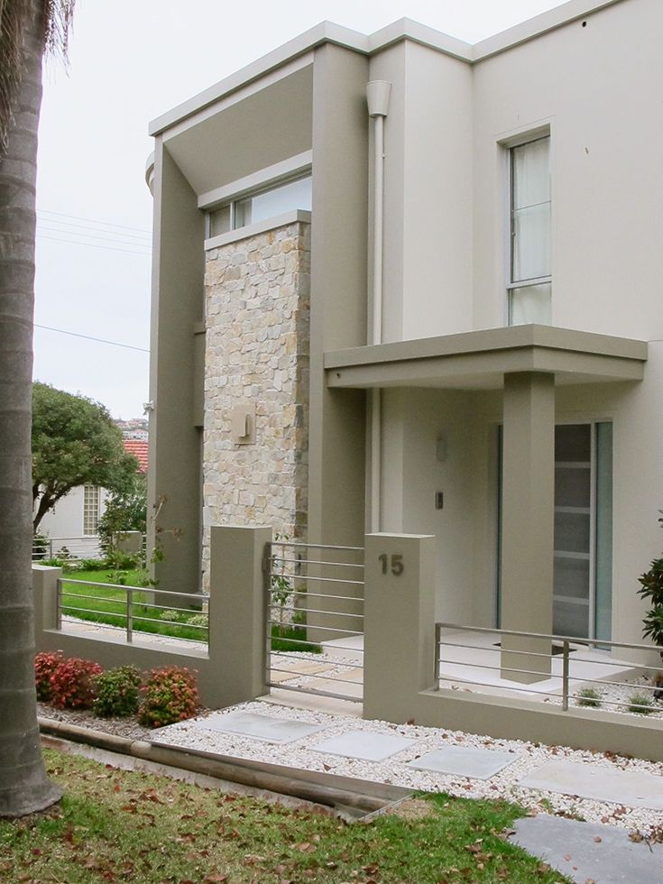 Home exterior stone feature wall stone wall chimney for Exterior features of a house