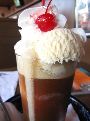 ice cream float | We all scream (ice cream recipes) | Pinterest