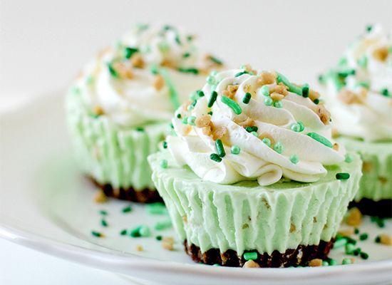 St. Patrick's Day Desserts: Irish Cream Ice Cream Cupcakes.