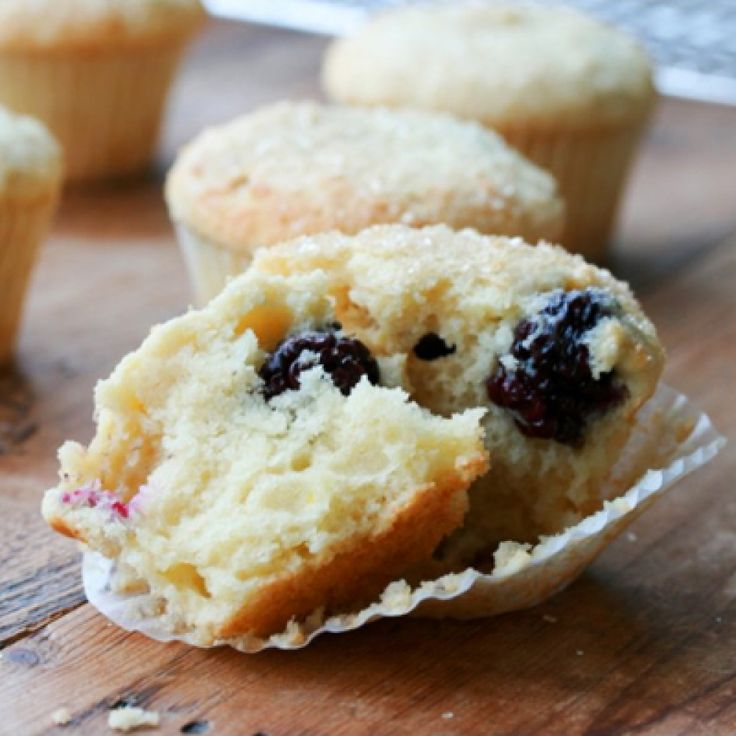 Ricotta muffins lemon blackberry